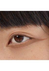 3ina - THE 24H CREAM EYESHADOW - Eye shadow - 535 light brown - 1
