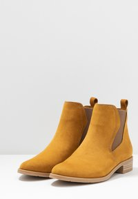 Marco Tozzi - Ankle Boot - mustard - 4