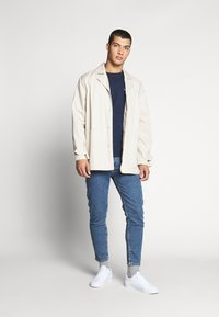 Tommy Jeans - DAD JEAN - Straight leg jeans - blue denim - 1