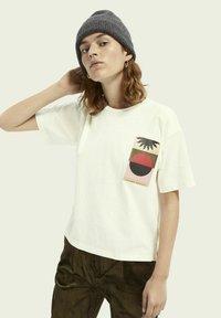 Scotch & Soda - BOXY FIT ARTWORK  - Print T-shirt - off white - 3