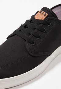 Timberland - UNION WHARF - Sneakersy niskie - black - 5