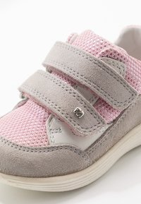 Elefanten - CHICO - Trainers - grey/pink - 2