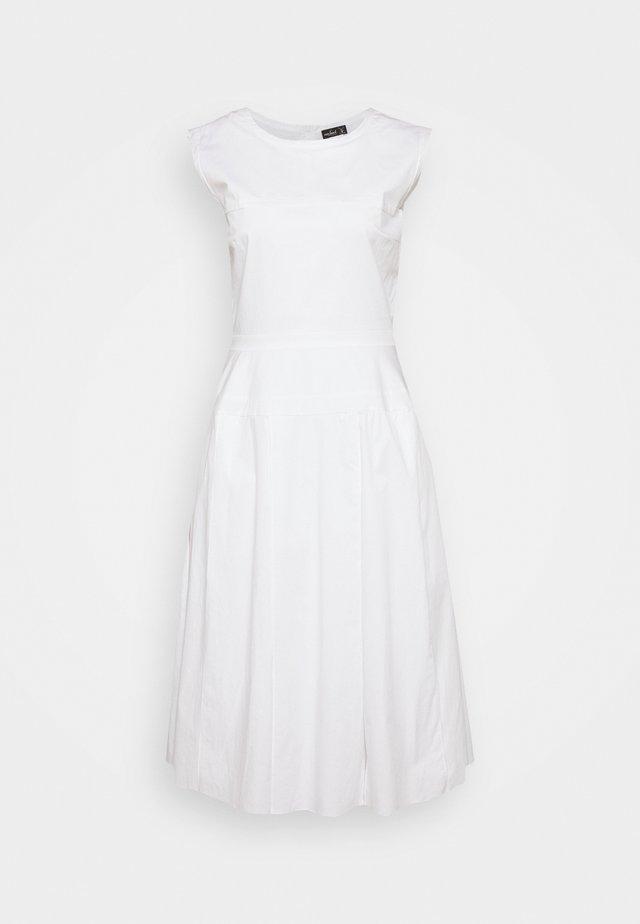 KELDA - Robe de cocktail - white