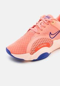 Nike Performance - SUPERREP GO 2 - Sports shoes - crimson bliss/concord/crimson tint/team orange/lime glow - 5