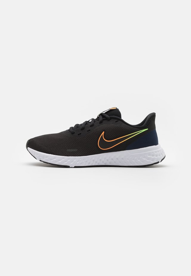 REVOLUTION 5 - Neutral running shoes - black/atomic orange/obsidian/white/lime glow