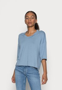 Marc O'Polo - CROPPED WIDE FIT WIDER SHORT SLEEVES - Basic T-shirt - fall sky - 0