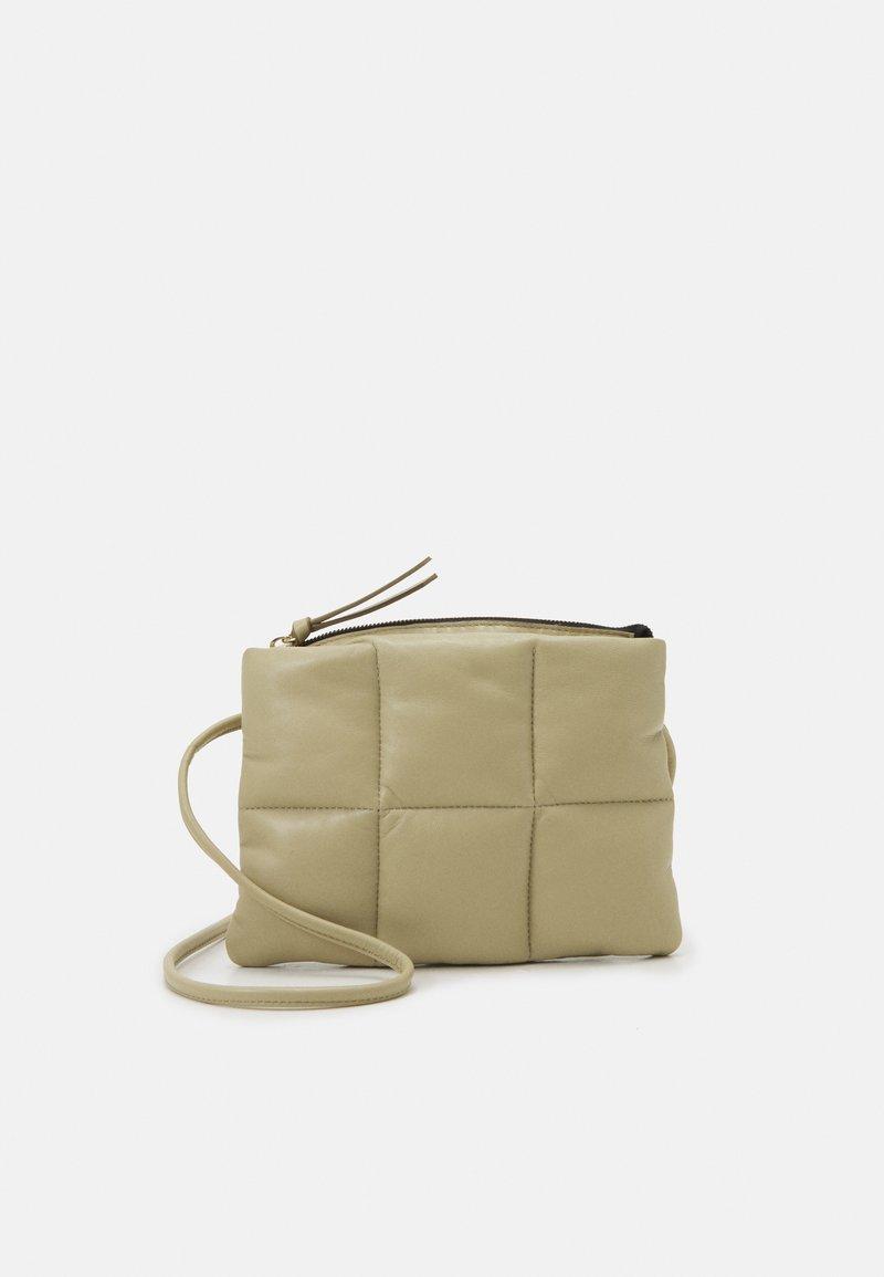 CLOSED - MEL CROSSBODY - Across body bag - green bark