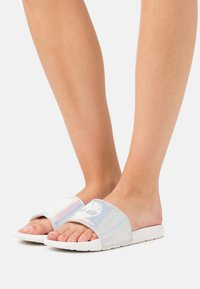 Timberland - PLAYA SANDS SPORT SLIDE - Mules - white/irredescent - 0