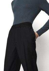Filippa K - FRANCA COOL TROUSER - Kalhoty - black - 3
