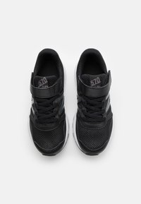 New Balance - Neutral running shoes - black - 3