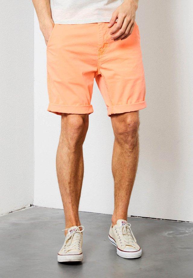Shorts - shocking orange