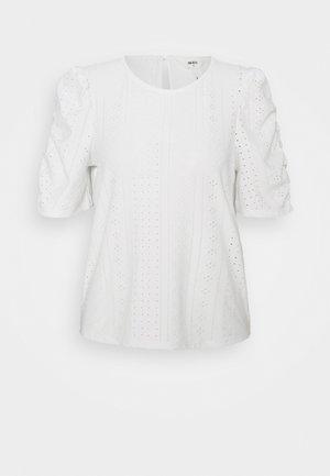 OBJRITTA - Basic T-shirt - cloud dancer