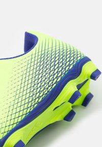 adidas Performance - GHOSTED.4 FXG UNISEX - Moulded stud football boots - signal green/energy ink - 5