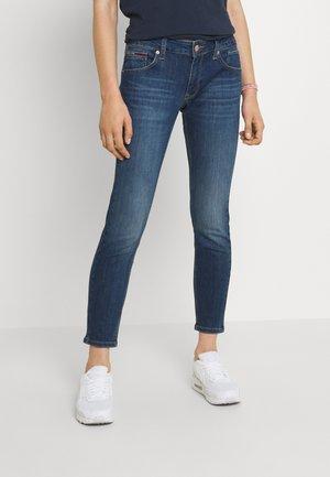 SCARLETT SKINNY - Jeans Skinny Fit - denim medium