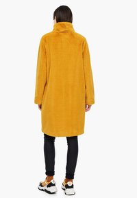 s.Oliver - TEDDY - Winter coat - yellow - 4