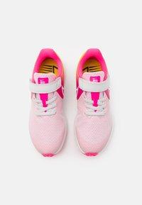 Nike Performance - STAR RUNNER 2 SUN UNISEX - Neutral running shoes - platinum tint/summit white/hyper pink/speed yellow - 3