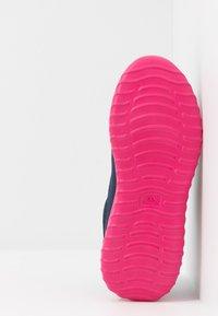 Kappa - CRACKER II  - Scarpe da fitness - navy/pink - 5
