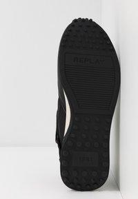 Replay - DRUM PRO GROUND - Zapatillas - black/green - 9