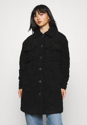 VMKYLIEFILUCCA LONG JACKET - Winter coat - black