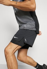 Nike Performance - STRIDE SHORT - kurze Sporthose - black - 3