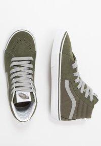 Vans - SK8 - Sneakersy wysokie - grape leaf/drizzle - 0