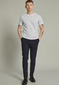 Matinique - MAJERMANE - Print T-shirt - white - 1