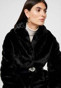 Guess - SHELLY COAT - Zimní kabát - jet black - 3