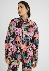 Desigual - DESIGNED BY MARIA ESCOTÉ: - Camisa - black - 0