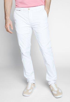 MOTT CLASSIC - Chinos - denim white