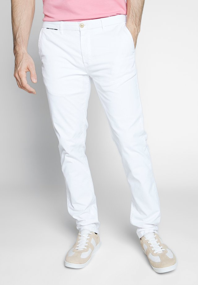 MOTT CLASSIC - Chinosy - denim white