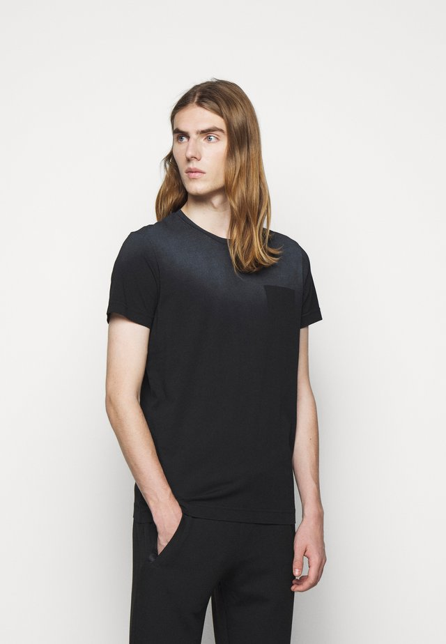 APOLLON - T-shirts med print - black