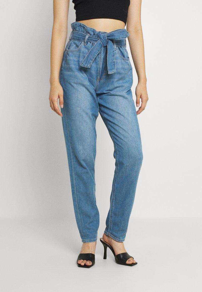 American Eagle - HIGHEST RISE MOM - Jeans baggy - blue heaven