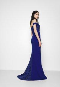WAL G. - LOW PLUNGE NECK DRESS - Suknia balowa - electric blue - 3