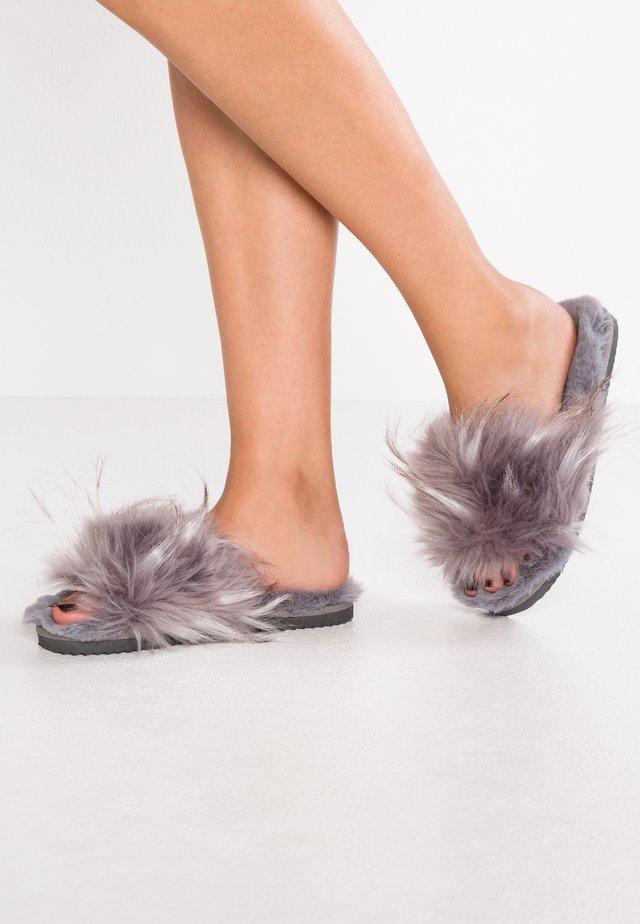 HAIRY POOL - Slippers - steel
