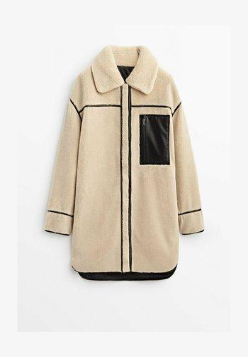 WENDE - Short coat - ochre