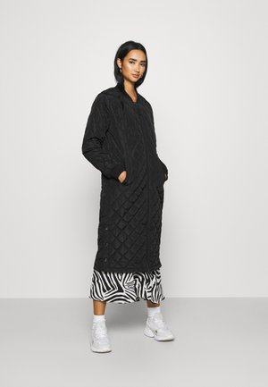 ONLJESSICA LONG QUILTED COAT - Bombertakki - black