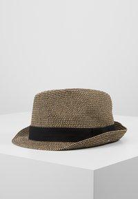 Burton Menswear London - 3 COLOUR TWIST TRILBY - Hat - tan - 1