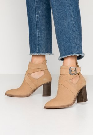 JOLL - Ankle boots - nude