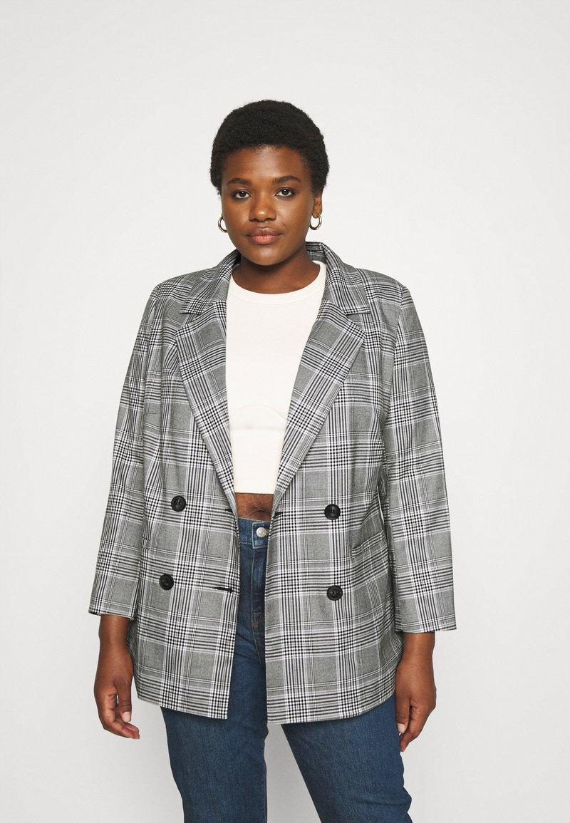 ONLY Carmakoma - CARDITA CHECK - Short coat - white