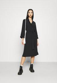 Monki - ANDIE DRESS - Kjole - black dark unique - 1