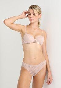 DKNY Intimates - BRA SUPERIOR - Underwired bra - cameo - 1