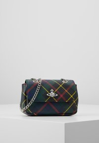 Vivienne Westwood - DERBY SMALL PURSE WITH CHAIN - Axelremsväska - hunting - 0