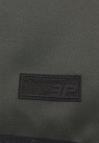 Icepeak - ANGLETON - Maglietta a manica lunga - dark green - 2