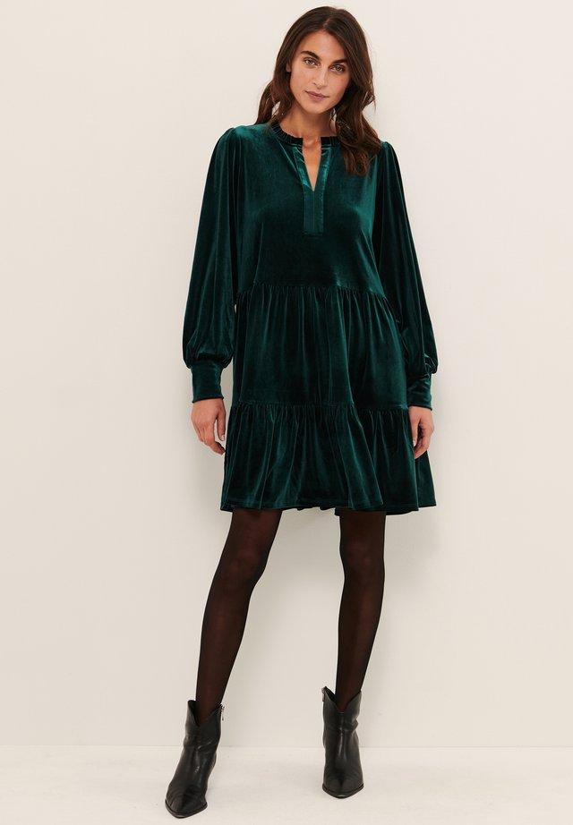 VIGGASEPW - Jersey dress - ponderosa pine