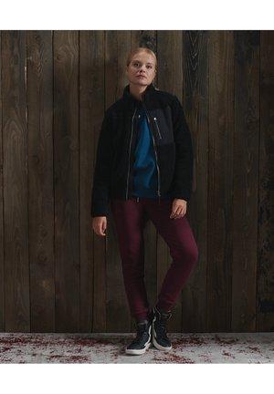 STORM PANEL BORG ZIP - Winter jacket - black