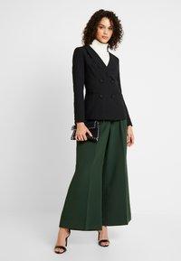 Fashion Union - TORA - Blazere - black - 1