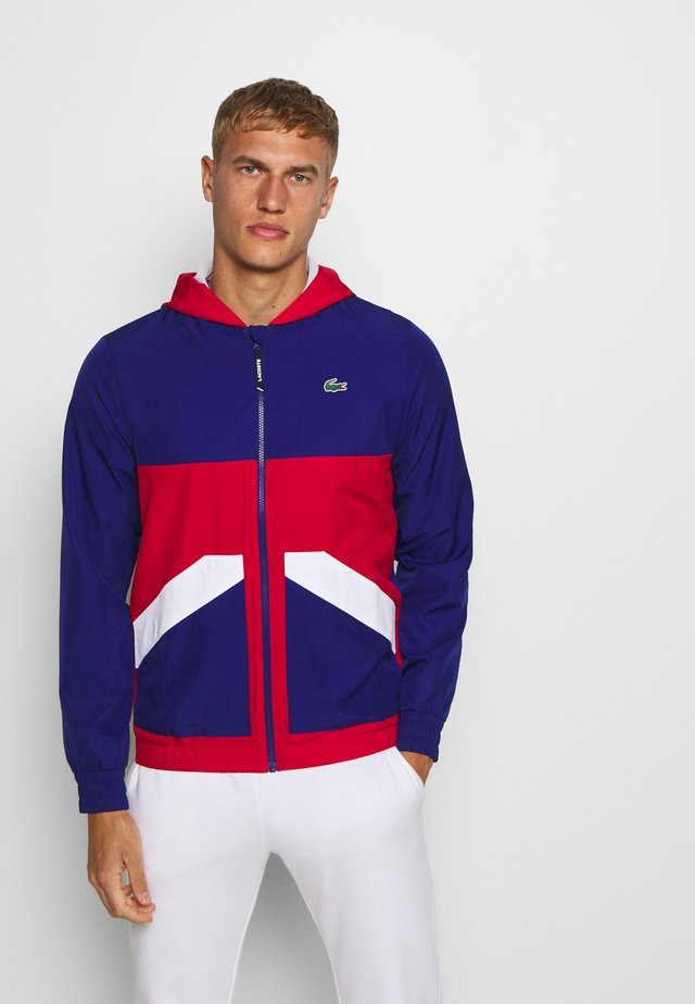 TENNIS JACKET - Veste de survêtement - cosmic/red/white