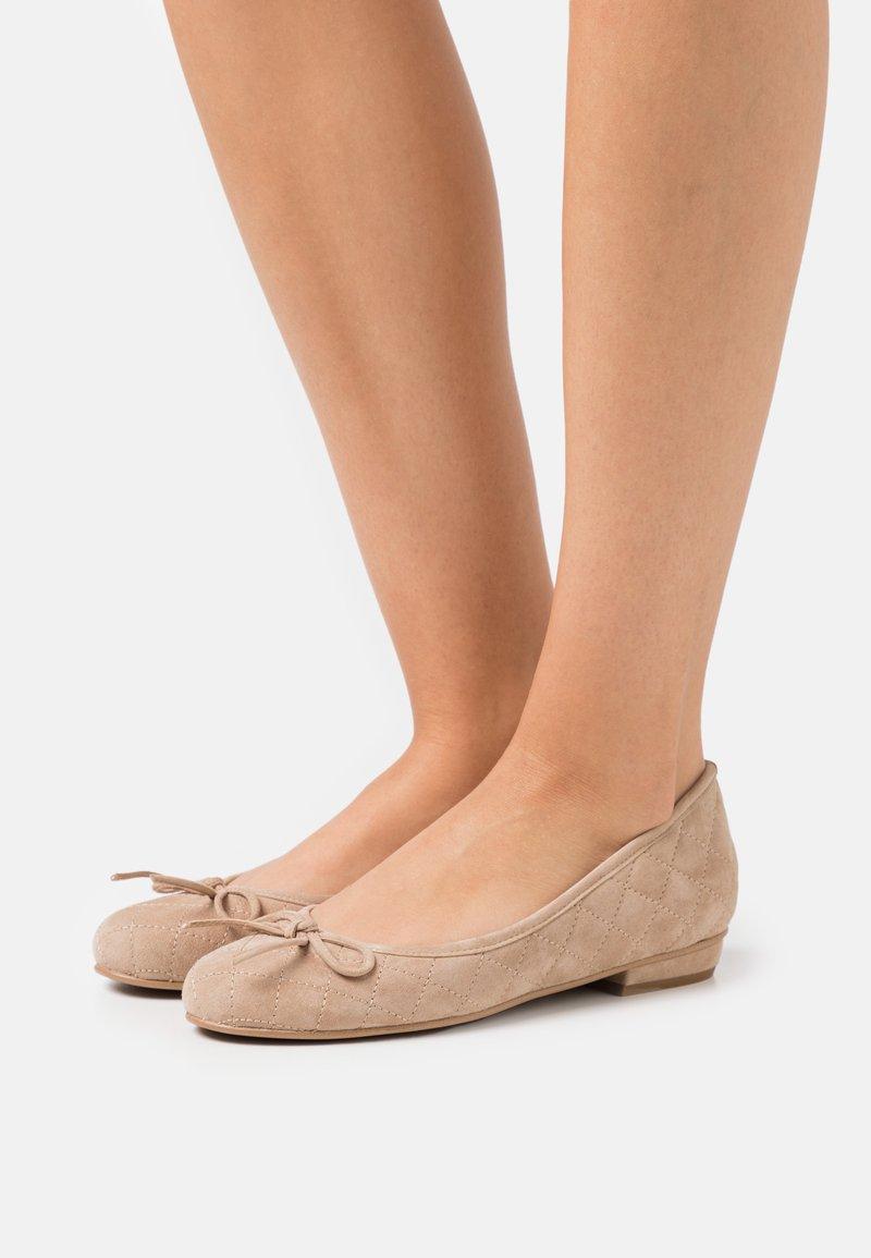 Brenda Zaro - CARLA - Ballerina's - pietra