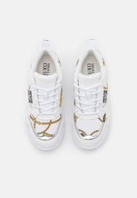 Versace Jeans Couture - Sneakersy niskie - white - 5