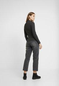 Cotton On - HIGH - Jeans Straight Leg - super wash black - 2